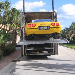 ZR-1 getting Unloaded