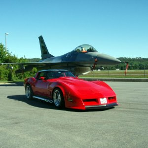 photo shot of my corvette,and norwegian airforce  F16 Jet bomber