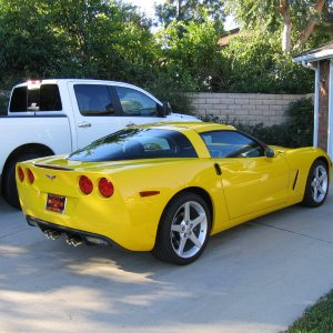 C6 Velocity Yellow - Side view