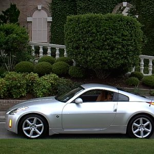 350Z Left Side View