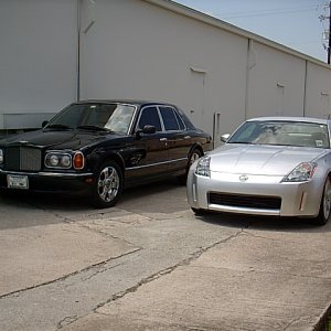 Bentley Arnage and Nissan 350Z @ Office